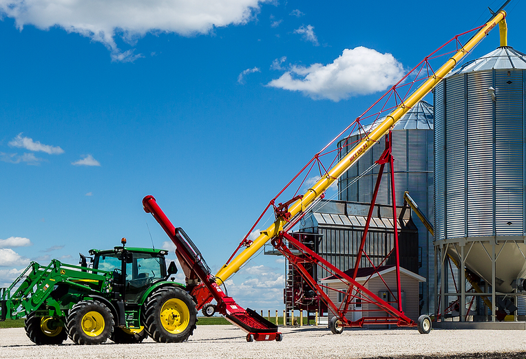 How to improve harvest efficiency with a high capacity grain auger_IMG